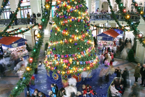 Activities to draw in a crowd during Black Friday & Small Business Saturday