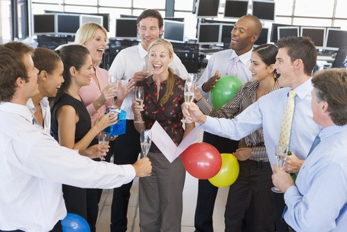 How to create an employee recognition program