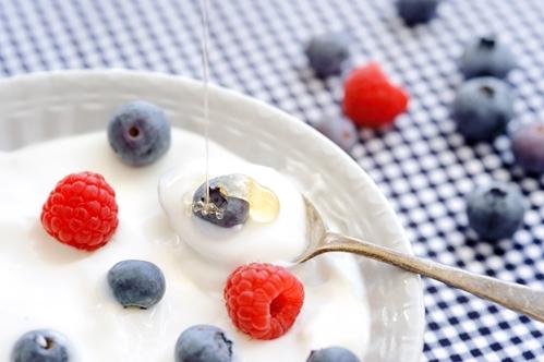 Promotional giveaways help yogurt shop celebrate opening